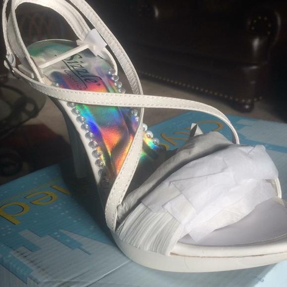 sizzle by coloriffic Shoes - Dress pump